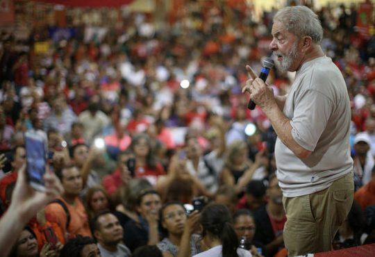 Brasil: Un juez determina libertad de presos en 2ª instancia, lo que podría liberar a Lula