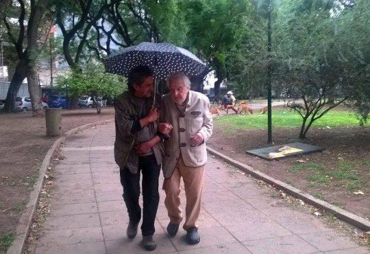 Osvaldo Bayer y un amor a primera vista