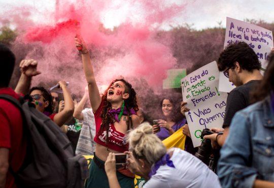 Una respetuosa excitativa: la excusa para comentar el acontecer feminista en Costa Rica