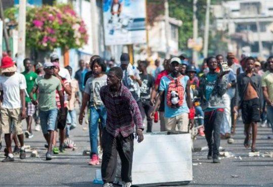 "Haití, ""la población aprovechó para gritar"""