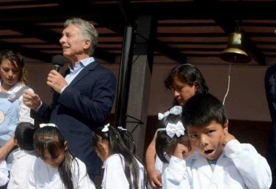 """""""Macri te odio por siempre"""": Análisis del discurso presidencial desde una perspectiva niña"""