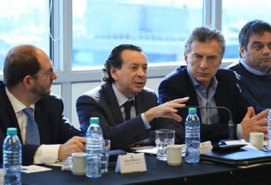 Triaca y Sica denunciados por contrataciones en sindicatos intervenidos