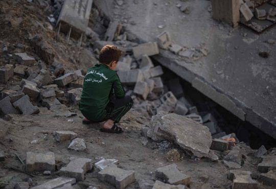 Gaza bajo fuego y el mundo mirando a Venezuela
