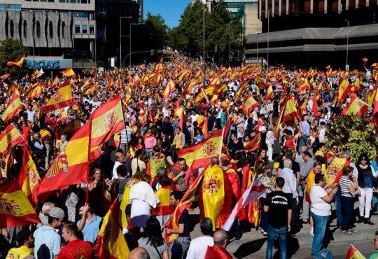 Zafando en España: la movilización del voto útil frenó al tripartito de las derechas sin filtro
