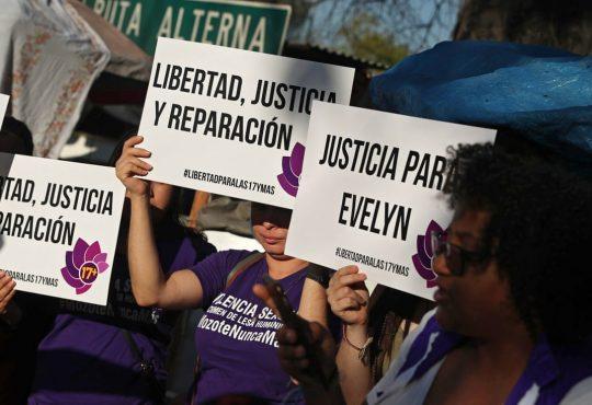 """María Teresa Rivera: """"al Estado salvadoreño le quiero decir que no nos siga criminalizando"""""""
