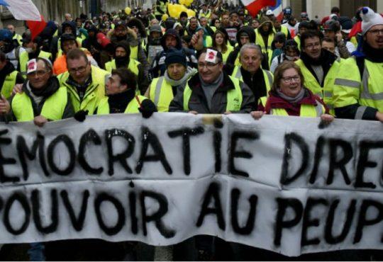 Francia Flourescente: Las vías inciertas de la democracia