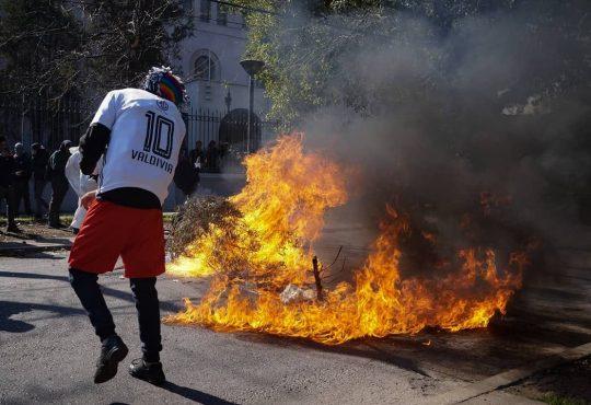 Chile: la pelota en los pies y el pueblo en el corazón