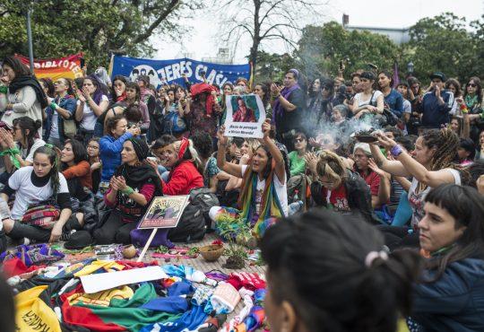 Feministas del Abya Yala: Tejidos de resistencias