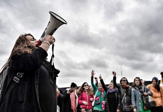 """""""Rompemos el silencio. La verdadera revolución es con todas y con todes"""""""