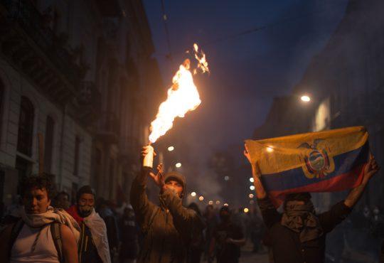 Todos a luchar contra el paquetazo neoliberal de Lenín Moreno