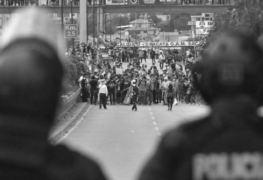 Bolivia: Llamado a elecciones en medio de un baño de sangre