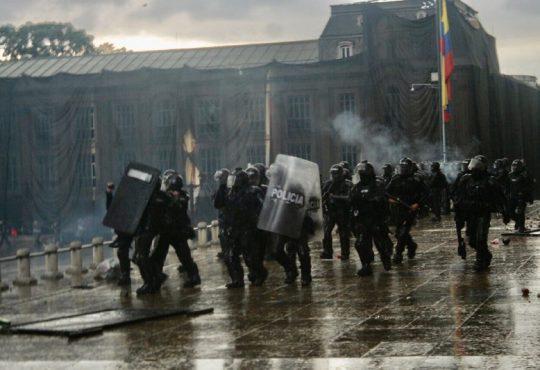 En Colombia, el Paro continúa: ¡Cacerolazo en contra de la represión policial!