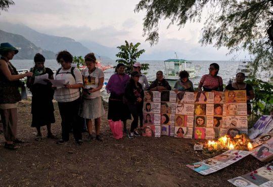 """25N en Panajachel, Guatemala: """"en Atitlán nos golpean, violan y matan"""""""