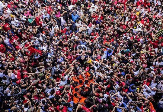Brasil: Lula da Silva deja la cárcel después de 580 días de prisión