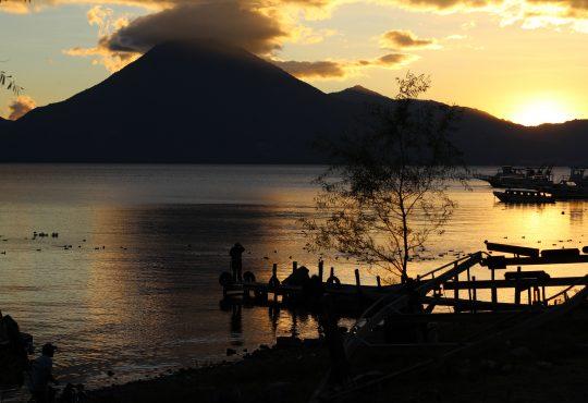 Atitlán declarada ser vivo por las mujeres y una comunidad en resistencia