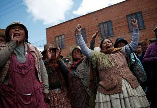 Bolivia: hacer del abrazo un hecho político de solidaridad contra el Golpe de Estado
