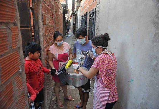 La pandemia desde el pie: crónica de la Villa 21