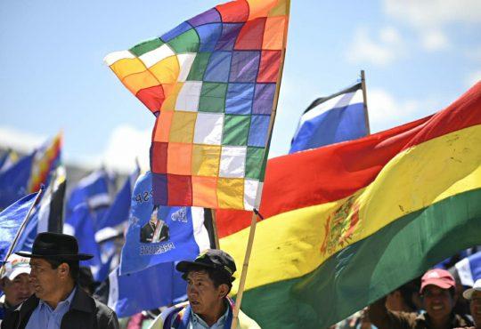 Organizaciones sociales de Bolivia firman acuerdo por la soberanía y la democracia