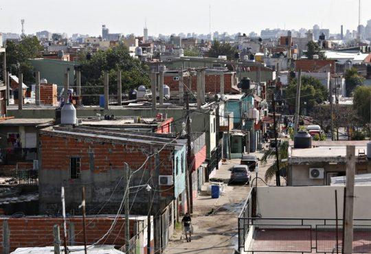 """Villa 21-24: """"en pandemia ¿Cómo hacemos si ni siquiera tenemos luz ni agua?"""""""