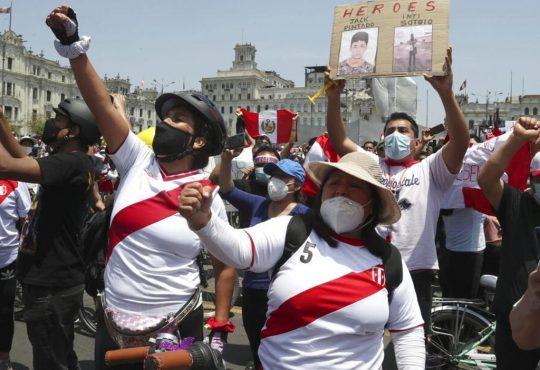 Las protestas en Perú y los futbolistas como actores sociales