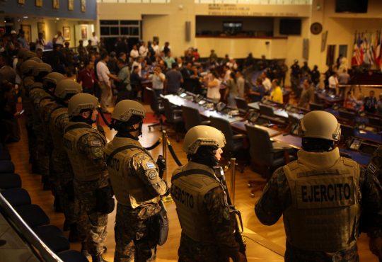 Violencia política: modelo de gobierno en El Salvador