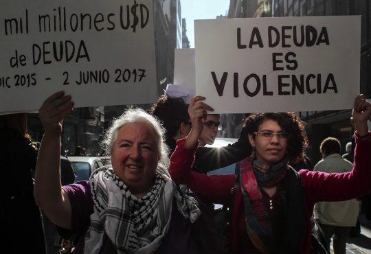 """Verónica Gago: """"No hablamos sólo de deudas de los Estados sino de deuda para vivir"""""""