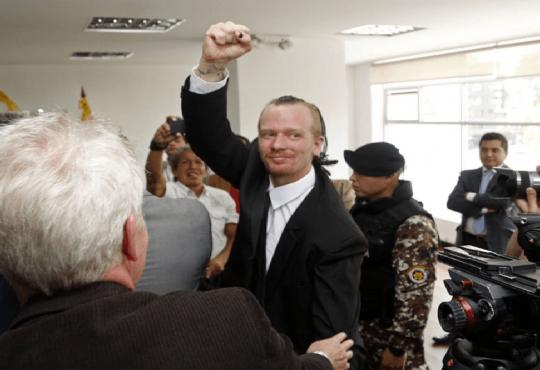 Ecuador: Victoria parcial para Ola Bini