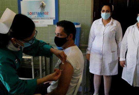 """""""Diez o quince países se han acopiado el 80 por ciento de la producción de vacunas contra el covid-19"""""""