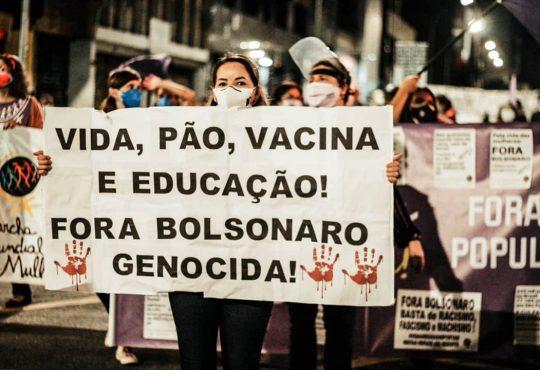 """Brasil: """"¡Vacuna en el brazo, comida en el plato!"""""""